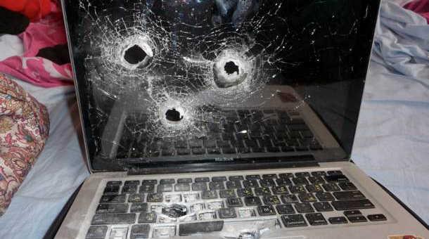 computer-shot-frustration-townsville-gun